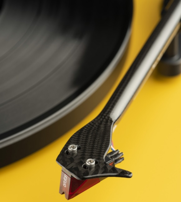 Pro-Ject Debut Carbon EVO yellow gramofon